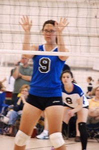 hannah_serves_volleyball_may_2008
