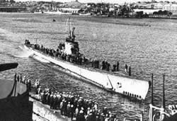 USS Bonefish returning from a patrol